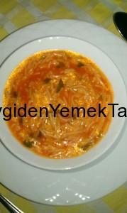 Domatesli Tel Şehriye Çorbası